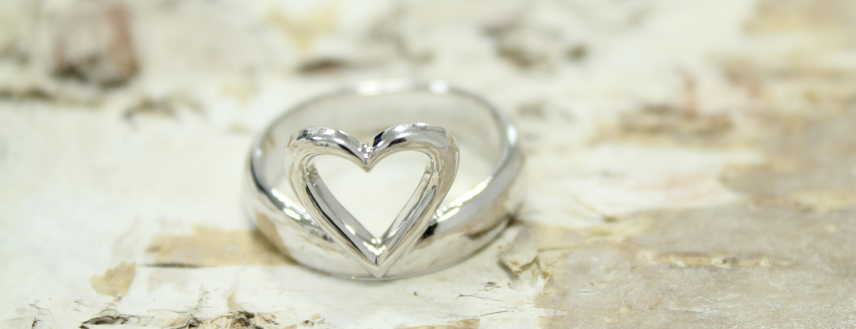 Swany Heart ring